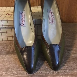 Pappagallo Shoes - Pair of Pappagallo Women's Heels